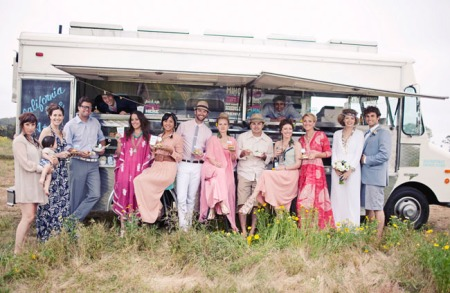 food-truck-wedding-group